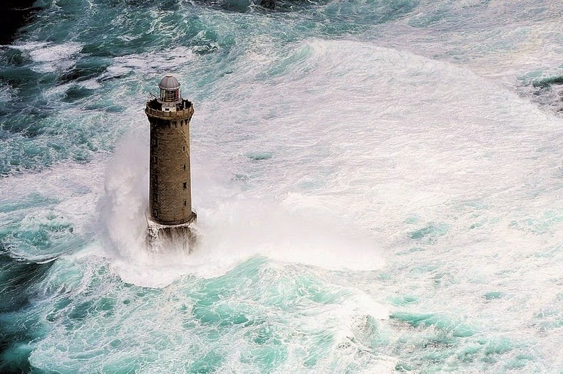 Lighthouses of Brittany 9