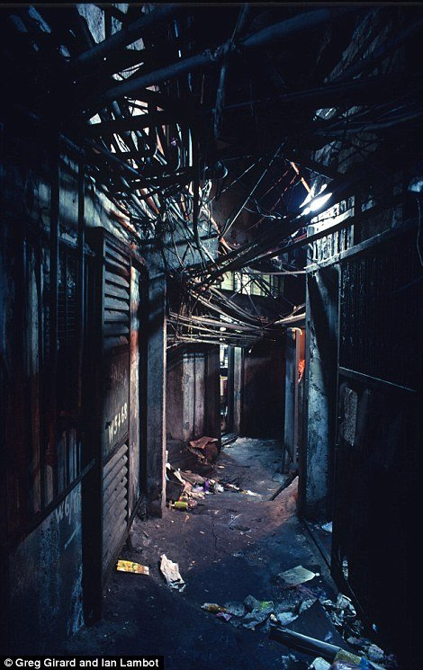 Kowloon Walled City 17