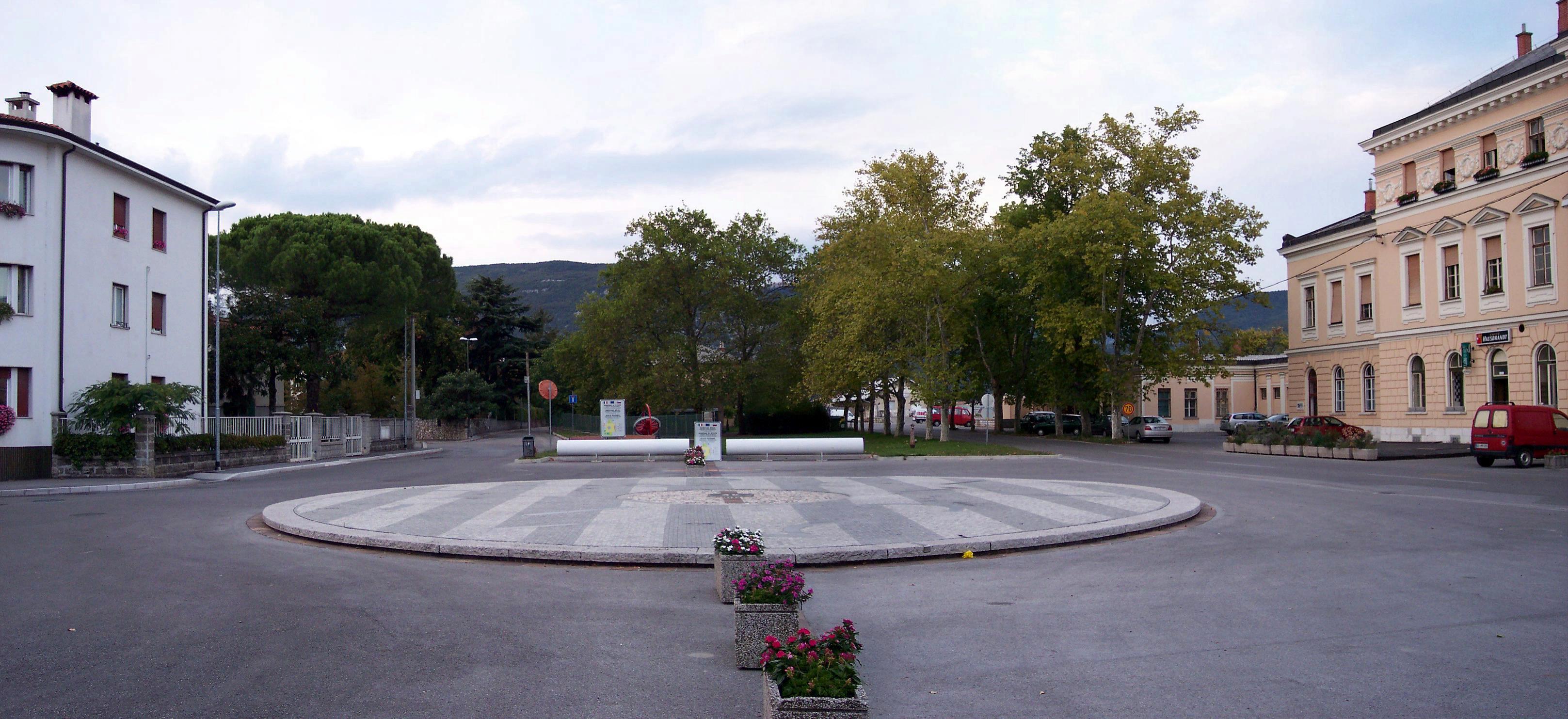 Piazza della Transalpina 12