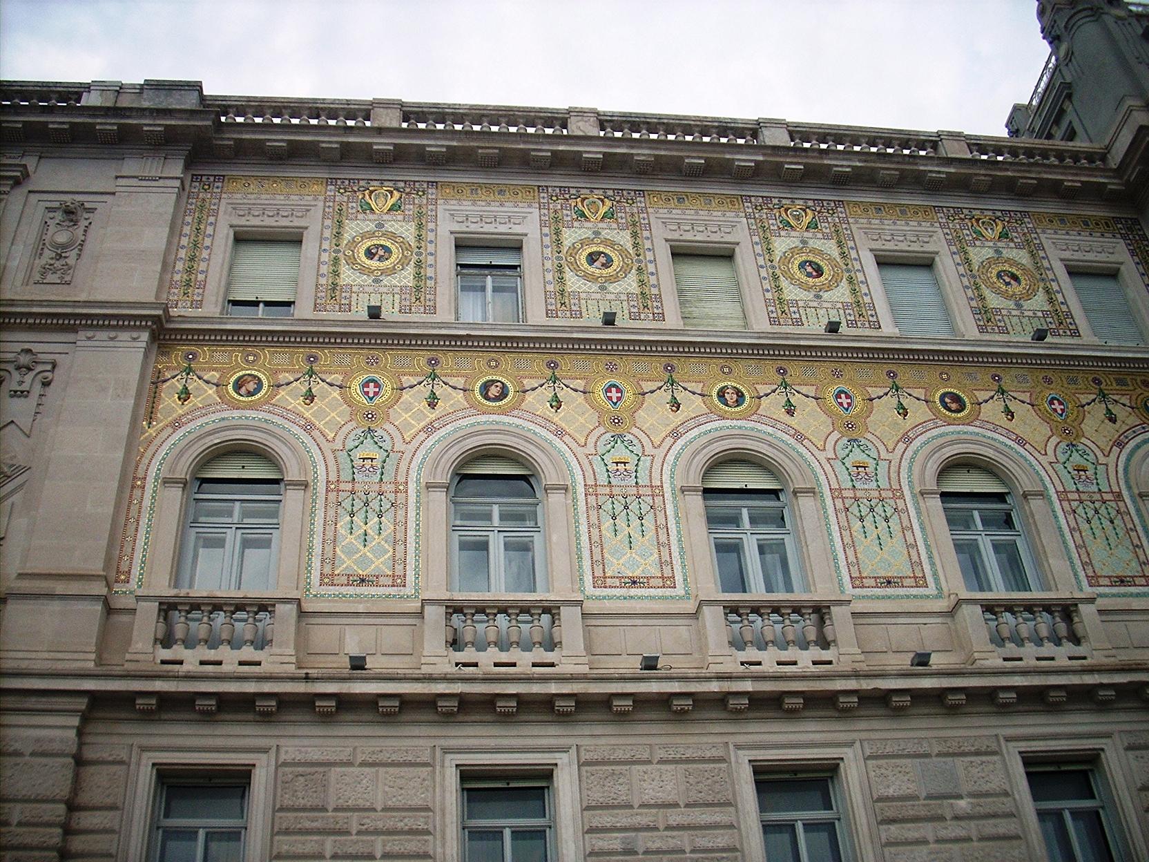 Piazza Unità d'Italia 13
