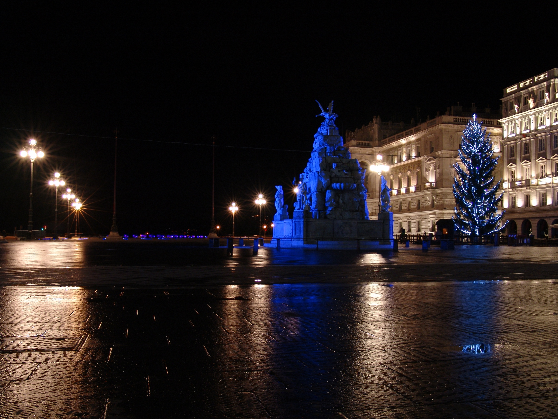 Piazza Unità d'Italia 17