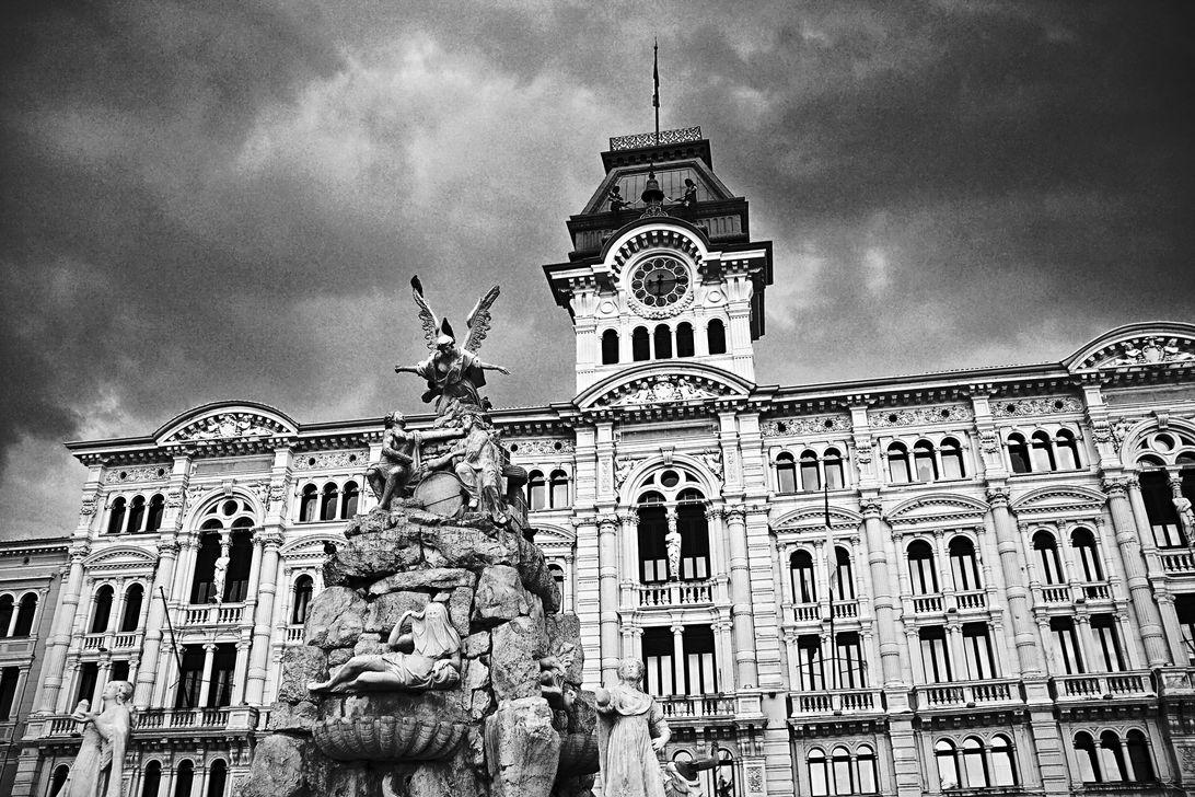Piazza Unità d'Italia 6