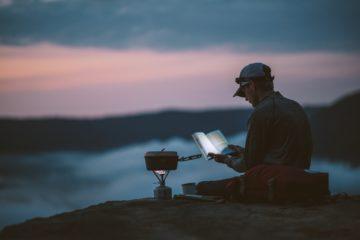 Το να ταξιδέψει κάποιος μόνος