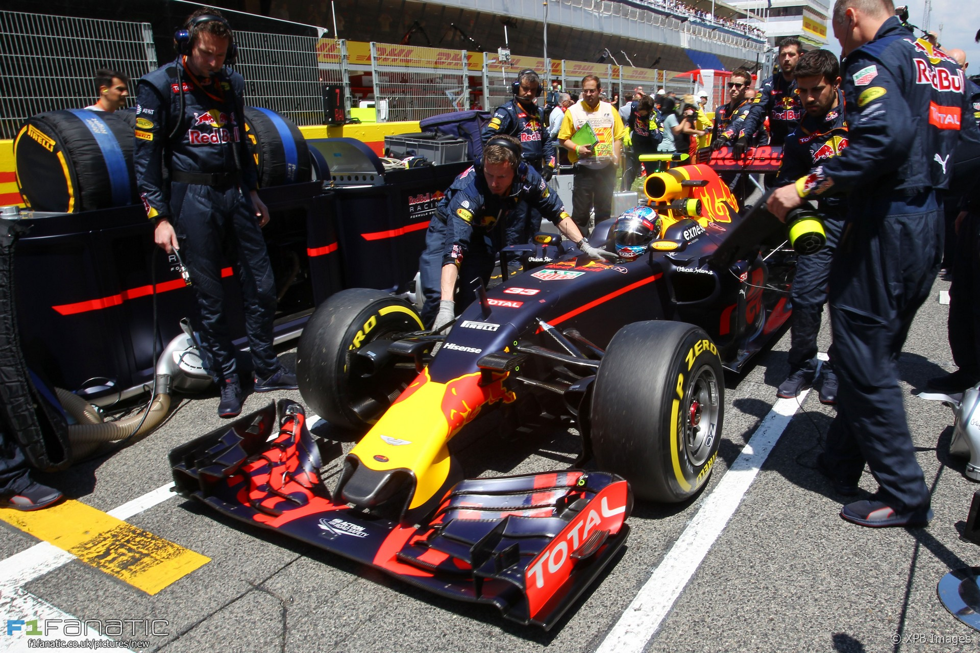 Max Verstappen (NLD) Red Bull Racing RB12 on the grid. 15.05.2016. Formula 1 World Championship, Rd 5, Spanish Grand Prix, Barcelona, Spain, Race Day. - www.xpbimages.com, EMail: requests@xpbimages.com - copy of publication required for printed pictures. Every used picture is fee-liable. © Copyright: Photo4 / XPB Images