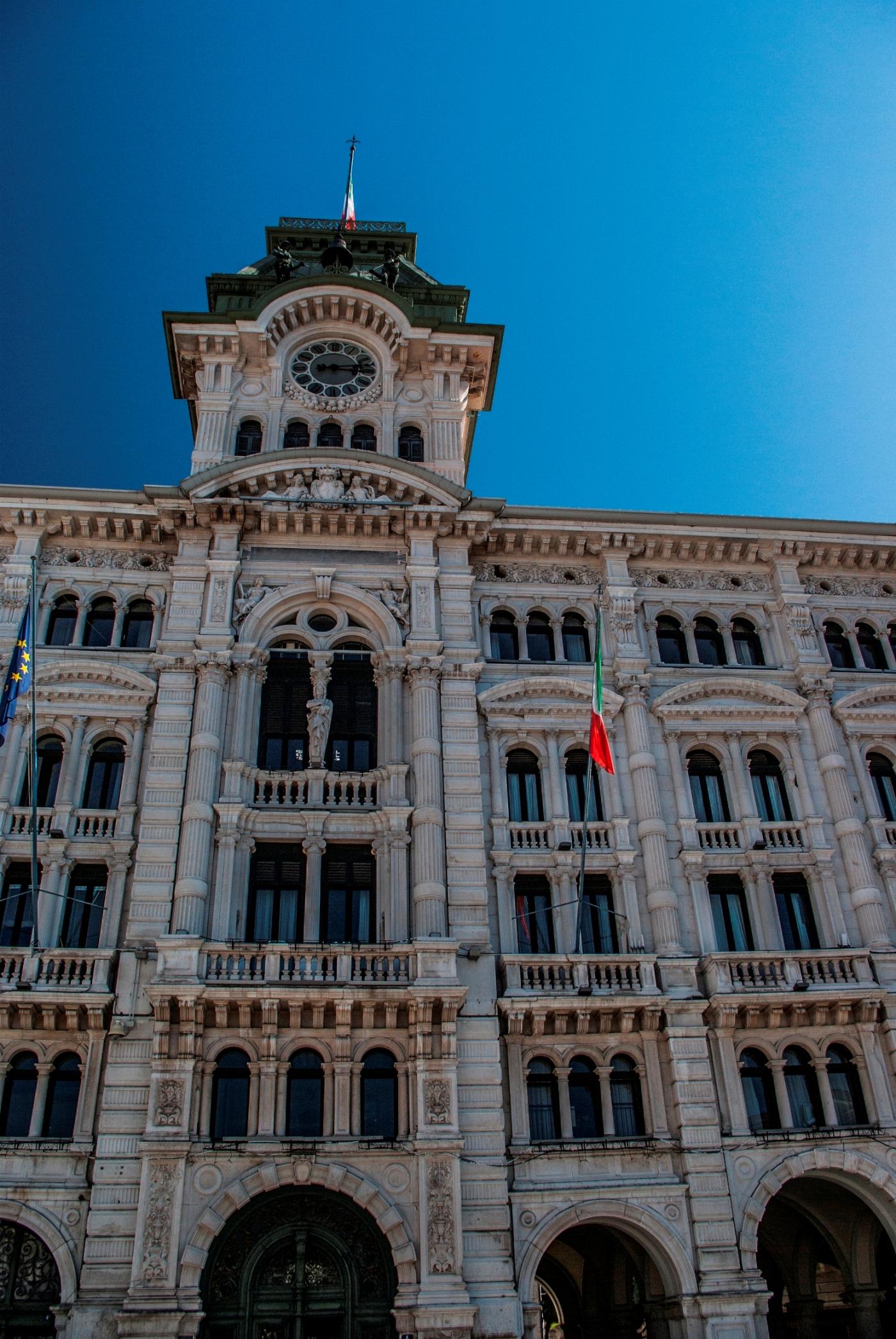 Piazza Unità d'Italia 8